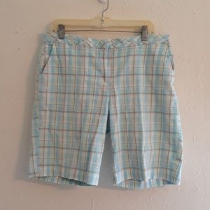 Izod blue plaid shorts